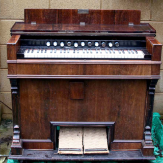 Harmonium from the project GMSS001 by Geiger-Müller Sound System