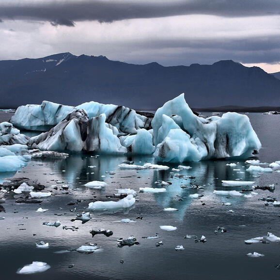 Photo of icebergs in a lake