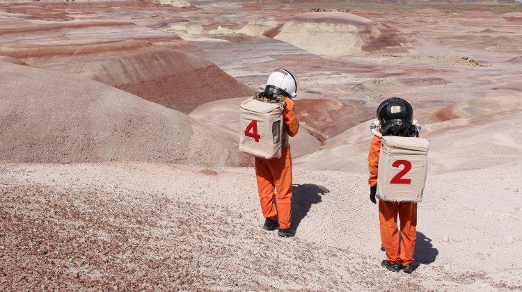 Ella Good and Nicki Kent, Building a Martian House. Credit: Robert Keller, Satori Photos