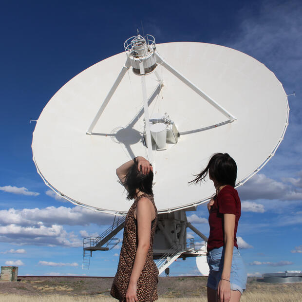 Ella Good and Nicki Kent at VLA in New Mexico © Nicholas Crumrine 2019