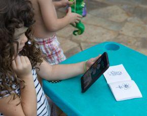 """BabyBSL: Immersive Learning """"Flower"""""""